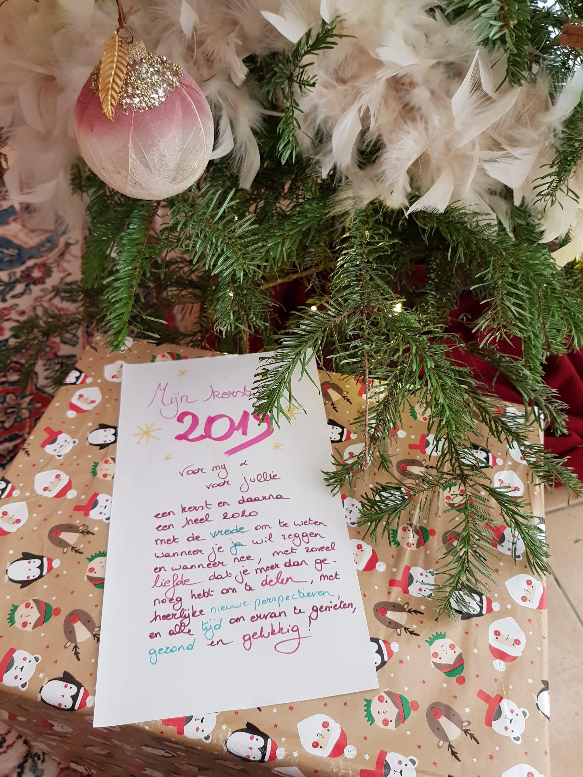 Unboxing: Wonderland's Bookish Secret Santa 2019
